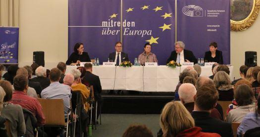 Bürgerinnen und Bürger sprachen europäische Themen an
