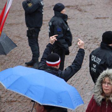 Anfeindung gegen den Gegenprotest