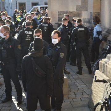 Wegen nicht eingehaltenen Abständen gab es in Dresden drei Ordnungswiedrigkeitsanzeigen.