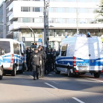 Die Polizei war mit zwei Hundertschaften in Chemnitz.