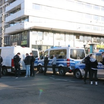 Von vielen Personen wurden in Chemnitz die Personalien aufgenommen. 40 Ordnunggswiedrigkeitsanzeigen gab es.