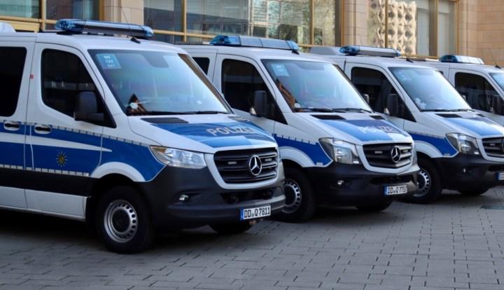 Polizeigewalt bei Pegida-Gegenprotest in Dresden