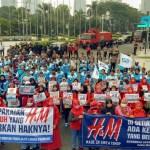 AKSI SOLIDARITAS MENUNTUT TANGGUNG JAWAB H&M INDONESIA
