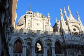 ducal-palace-outdoor-clock