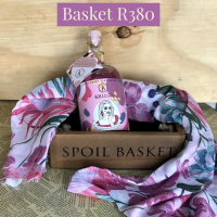 Floral Scarf & Kollegin Basket (Alcohol free)