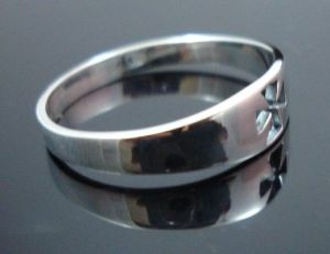 STERLING-SILVER-CROSS-CRUCIFIX-SHINNY-RING-New-400482345316-5
