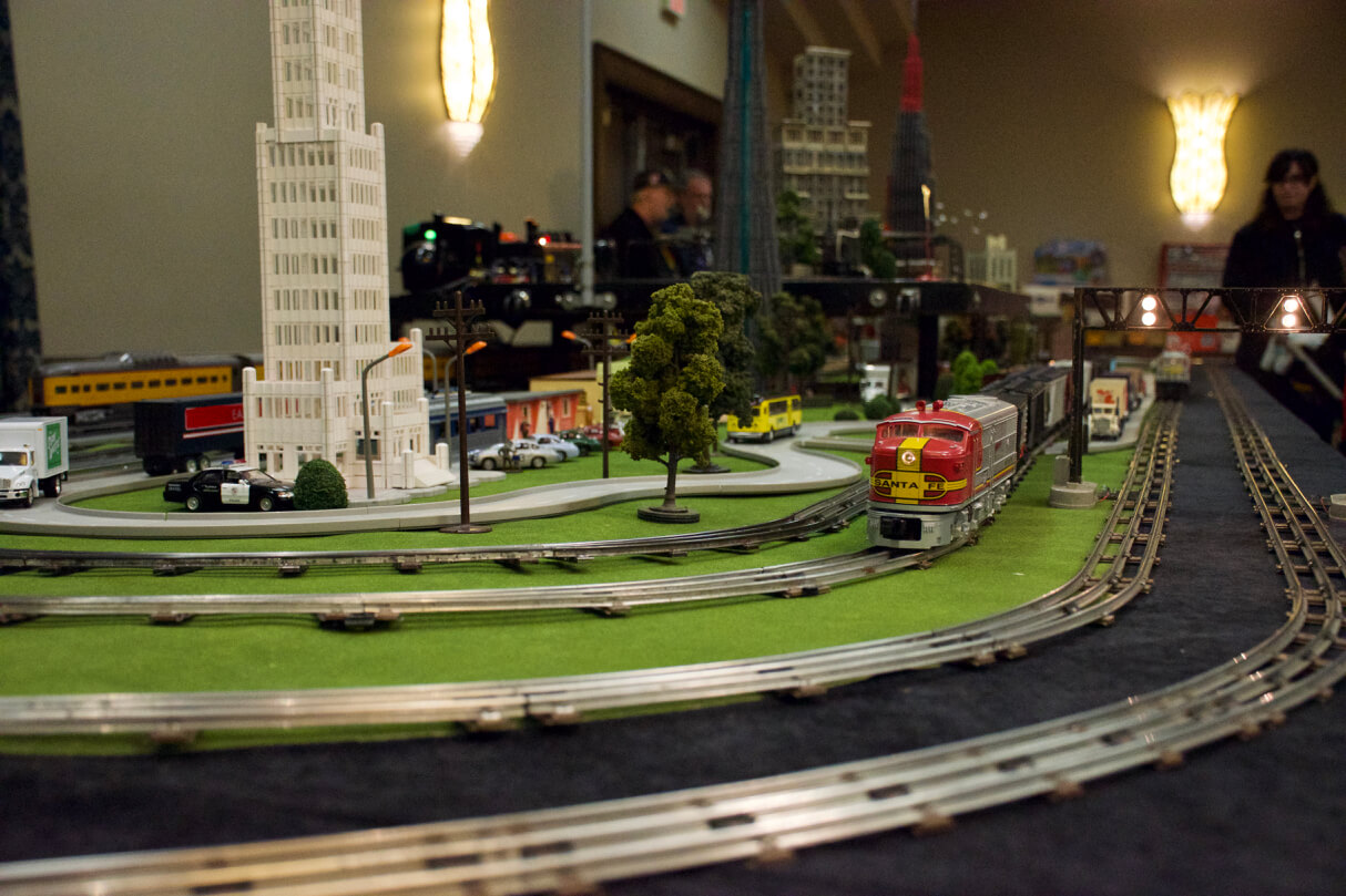 A Santa Fe diesel train engine operates on the Greater Toronto Toy Trains model railway.