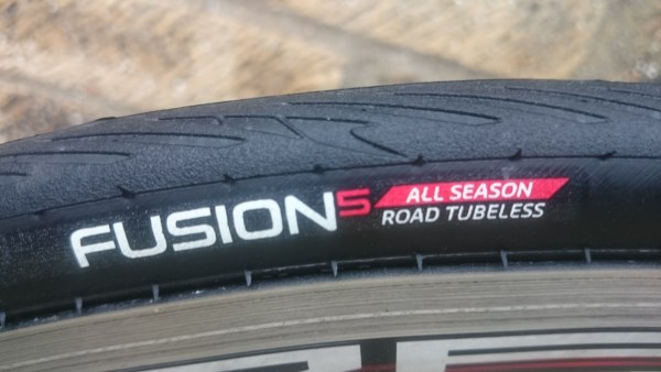 Hutchinson Fusion 5 All Season Tubeless Tyres