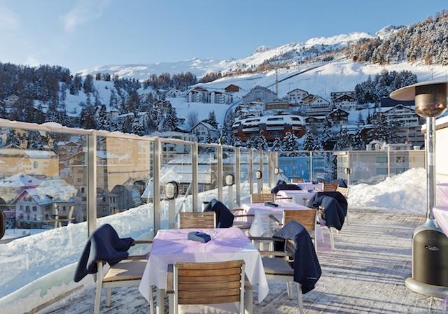 st-_moritz_art_boutique_hotel_monopolsonnenterrasse_im_winter