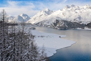 Winter mountain landscape at the Silsersee near Sils-Maria in the Engadin, Switzerland