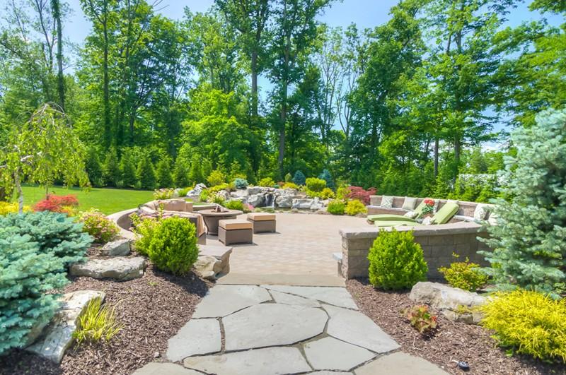 10 Great Ideas for Outdoor Entertaining - Sponzilli on Garden Entertainment Area Ideas id=33104