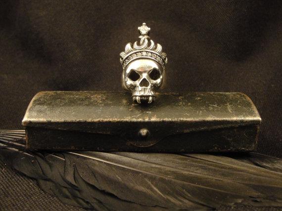 Vampire Skull Ring by Vampire Gothic