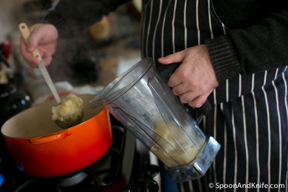 Cauliflower Leek Soup in the Vitamix