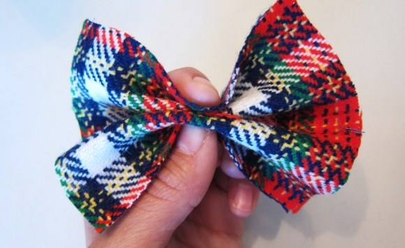 make_your_own_Christmas_hairbow