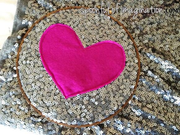 heart_embroidery_hoop_tutorial