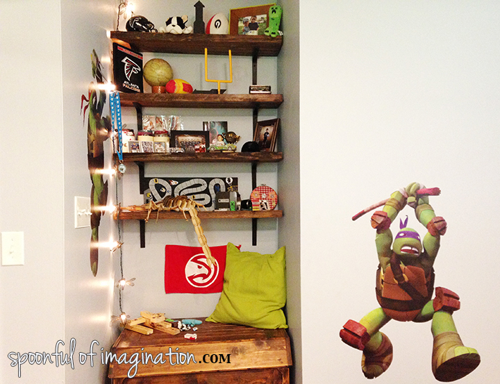 boy_shelves