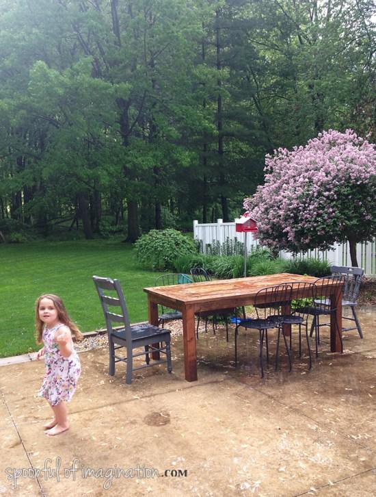 outdoor_patio_table