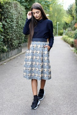 Bold Jacquard Skirt with hounds tooth dessin