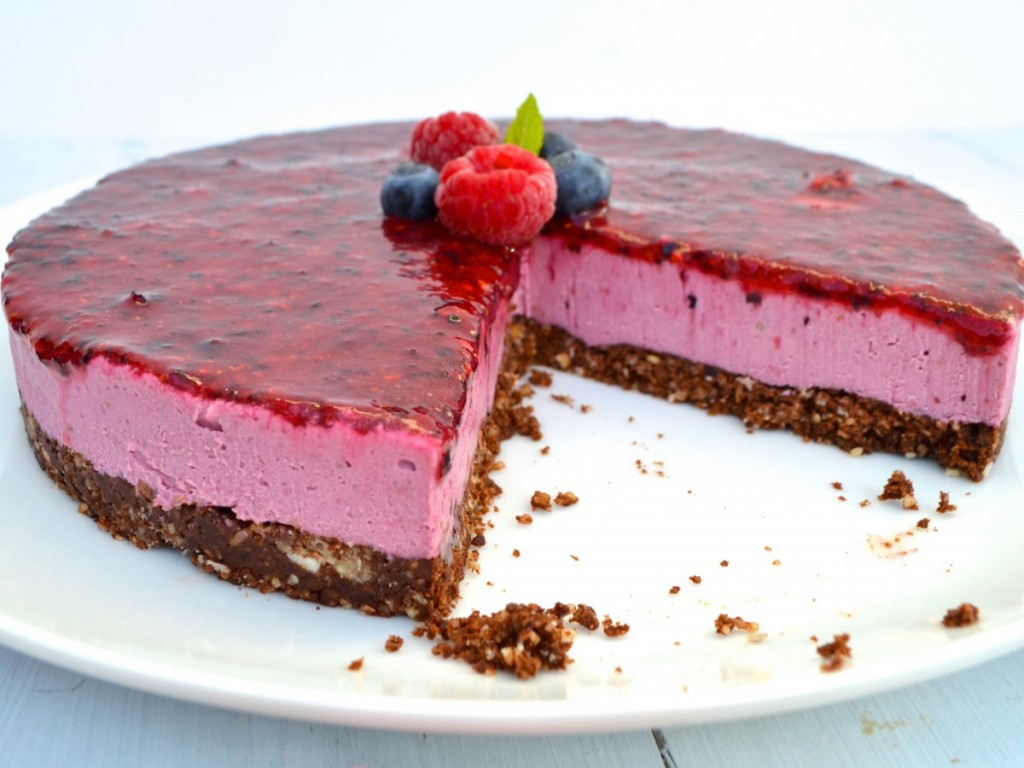 summer berry & lemon cheesecake