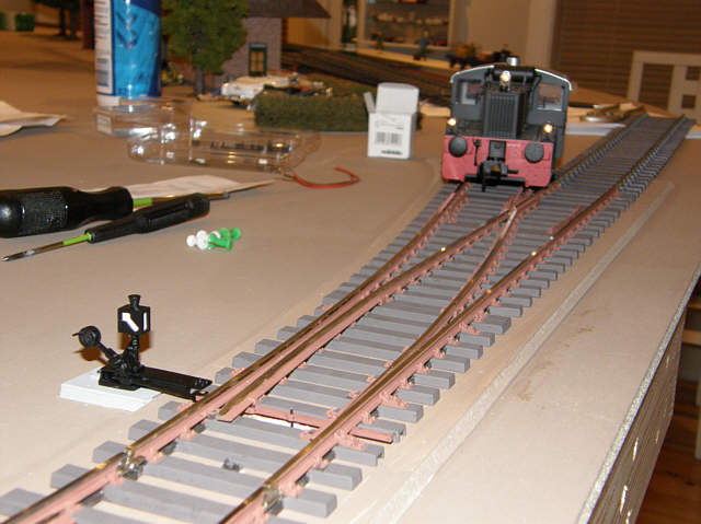 Første sporskifte er på plads.
