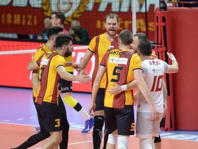 Galatasaray son 16 turunda yer alırken çeyrek final biletine de çok yakın. Erkekler voleybol CEV Kupası son durum, maç programı ve bahis analiz