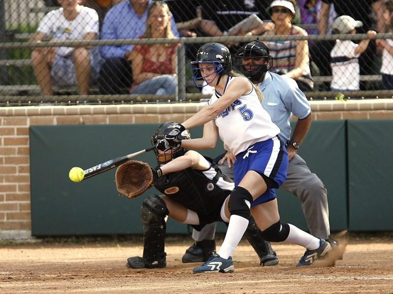 Softbol nedir? Nasıl oynanır?