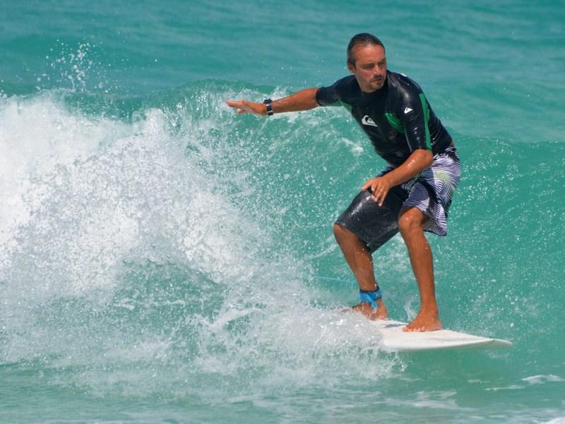 Sörf ve rüzgar sörfü nedir? Nasıl yapılır?