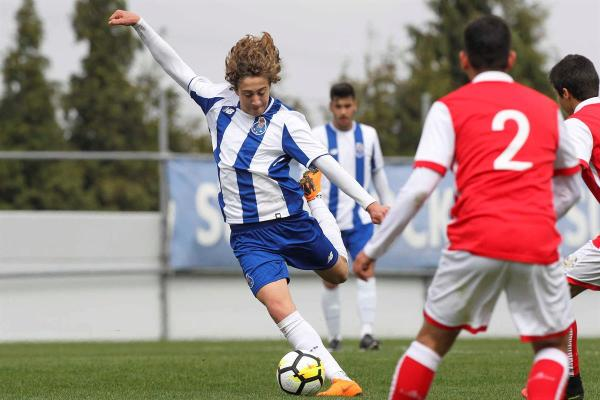 meilleurs jeunes attaquants à suivre sur Football Manager 2019