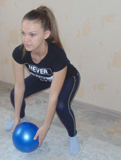 Тренировка груди для девушек в тренажерном зале