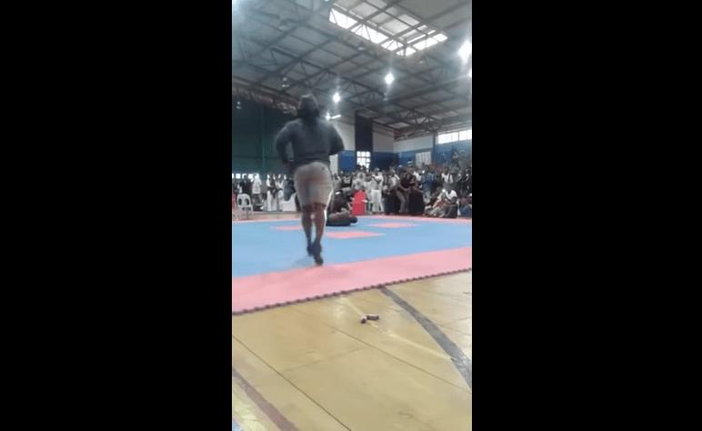 بالفيديو.. في مشهد مأساوي.. بطل كمال أجسام يلقى حتفه بعد انكسار رقبته