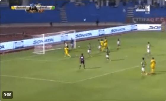 بالفيديو: هدف لا يصدق في الدوري السعودي