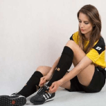 بالصور .. حسناء بولندية من أجمل سيدات التحكيم في عالم كرة القدم
