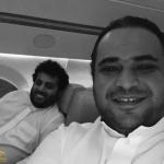 آل الشيخ ينشر أحدث صورة له مع القحطاني على متن طائرة.. والأخير يكشف عن الدولة المتوجهان لها!
