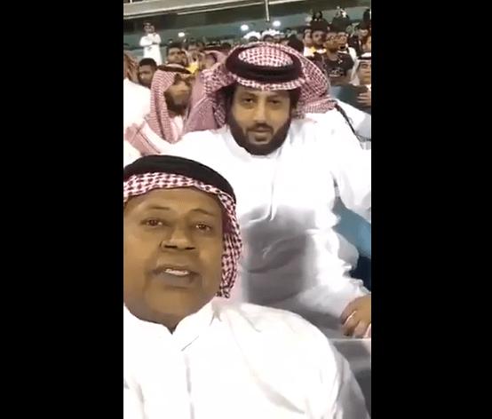 شاهد: ماذا قال رئيس هيئة الرياضة لسعيد العويران بعد سؤاله عن الاعتزال؟ فيديو
