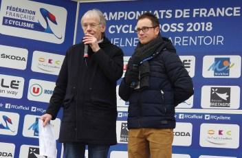 A l'animation, les speakers du Tour de France Daniel Mangeas et Damien Martin