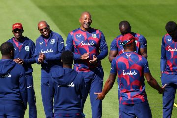 Phil Simmons calls on West Indies' 'hunger and enthusiasm' to trump 'clear favourites' Bangladesh