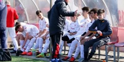 "32 fotbaliști arădeni de la UTA, Ineu, Viitorul și Dorobanți vor sub ""tricolor""!"