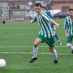 """Un penalty tardiv le-a furat """"alb-verzilor"""" primul succes al primăverii: Păulișana Păuliș - Voința Mailat 1-1"""