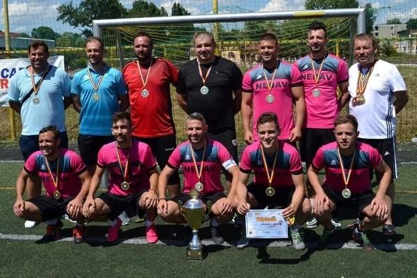 """Nedavul, cea mai bună echipă din nord-vestul țării la mini-fotbal! Arădenii vor juca pentru """"aurul"""" național, dar și în Champions League!"""