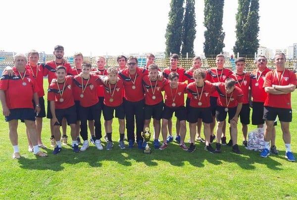UTA Under 19 și-a bătut în cuie lotul de cantonament după amicalul de 7 goluri cu Mailatul. Ungur - în staff, alături de Bogoșel, Petcuț și Țamboi