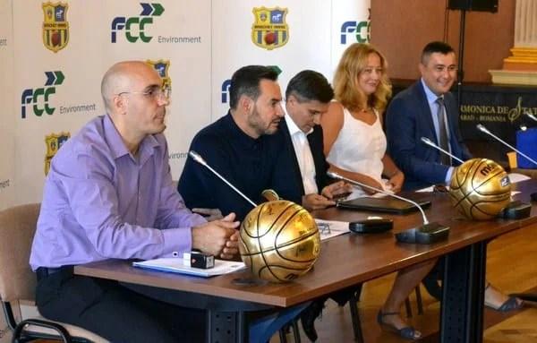 """FCC ICIM Arad vrea o clasare în """"careul de ași"""" în noua stagiune! Noul sponsor principal al baschetbalistelor - implicat și într-o întrecere de Streetball"""