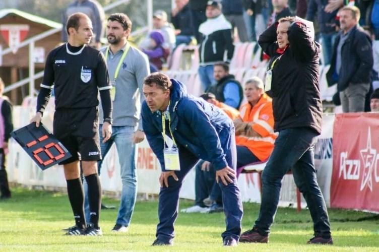 Roșu a remizat cu liderul la revenirea în Liga 2-a, Andor - titularizat de antrenorul ce a fost de acord cu plecarea sa de la UTA