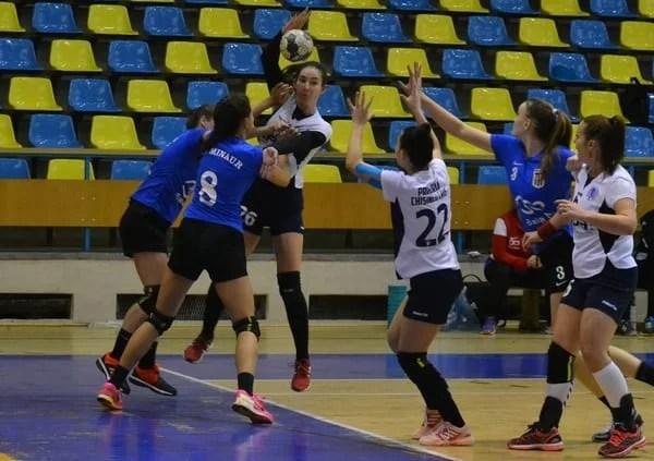 Nicio șansă în fața liderului, dar au oferit golghetera meciului: Crișul Chișineu Criș - Minaur Baia Mare  21-40