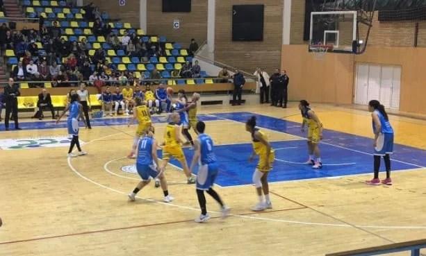 Lupta pentru medalii s-a încheiat prematur: FCC ICIM Arad - Olimpia CSU Brașov 66-74