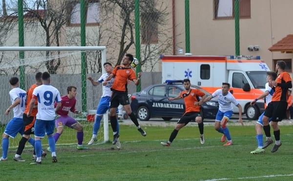 Livetext, ora 17: ACS Ghiroda - Național Sebiș 2-0 și Șoimii Lipova - CNS Cetate Deva 1-0, final