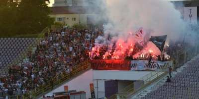 """Suporterii utiști, solidari cu marii rivali în chestiunea accesului la derby: """"Ieșim și noi de pe stadion, dacă suporterii timișoreni cu bilete sunt ținuți la ușă!"""""""