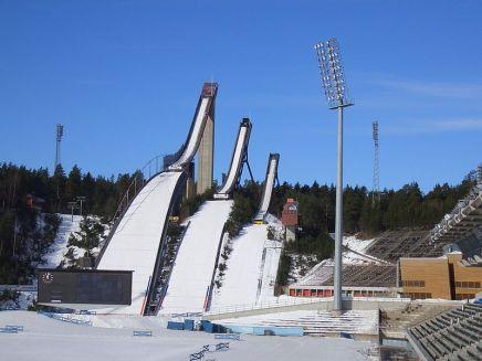 800px-Lahti_skijumps