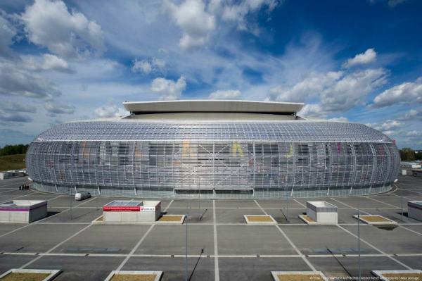 Stade Pierre Mauroy - parvis