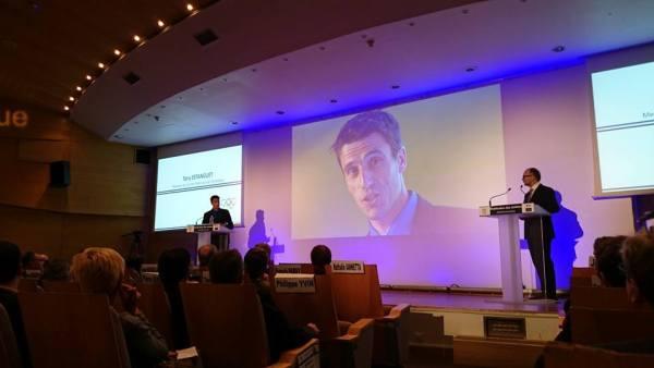 """Tony Estanguet lors de la présentation du bilan d'étape de l'étude d'opportunité """"Paris 2024"""" en novembre 2014 (Crédits - Sport & Société)"""