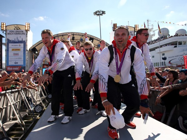 Arrivée triomphale des athlètes de la délégation olympique allemande à Hambourg, en 2012 (Crédits - DOSB / Picture Alliance)